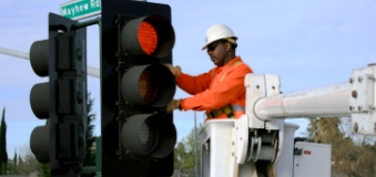 Energy Efficient Traffic Signals